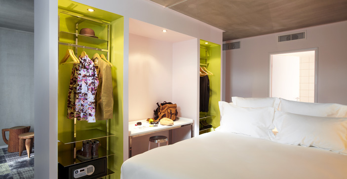 philippe starck mama shelter in marseille flodeau. Black Bedroom Furniture Sets. Home Design Ideas