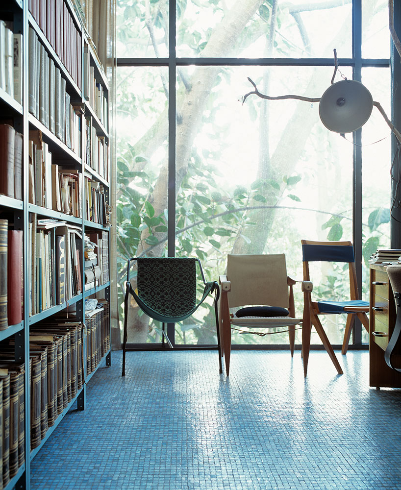 ... House. Projected In 1950 By The Brazilian And Italy Born Modernist  Architect As The Coupleu0027s Home, The Glass House Today Holds Part Of Their  Particular ...