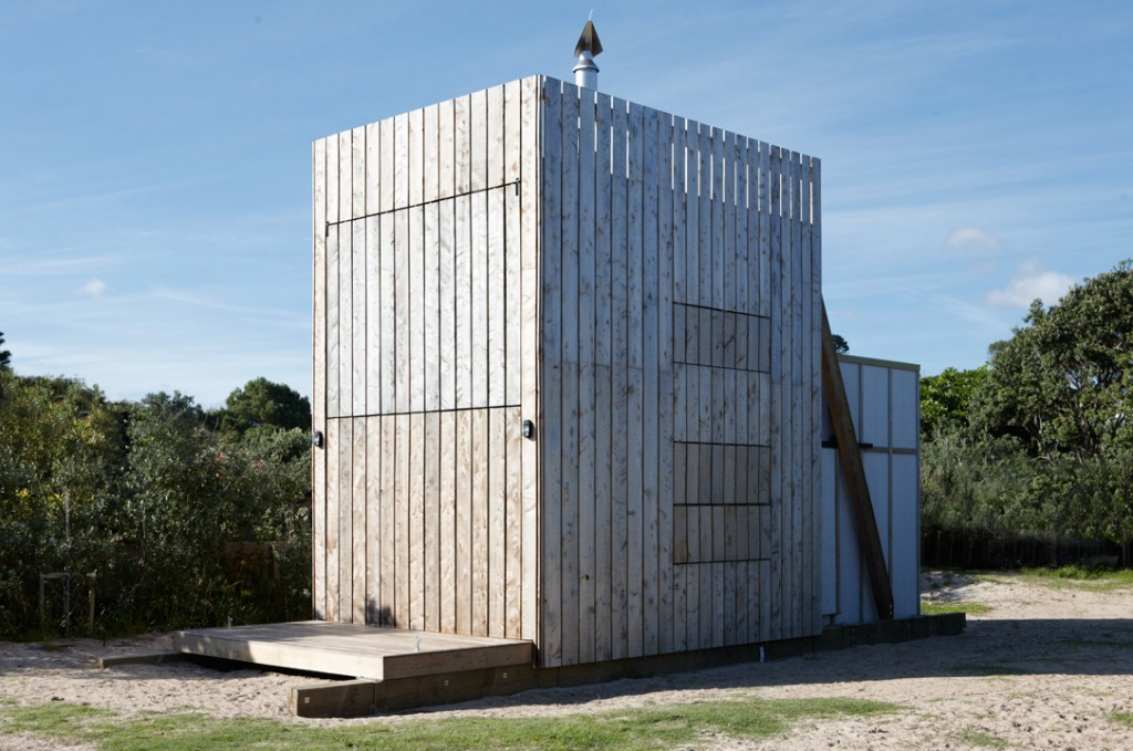 Crosson clarke carnachan architects whangapoua sled for Beach house designs in new zealand