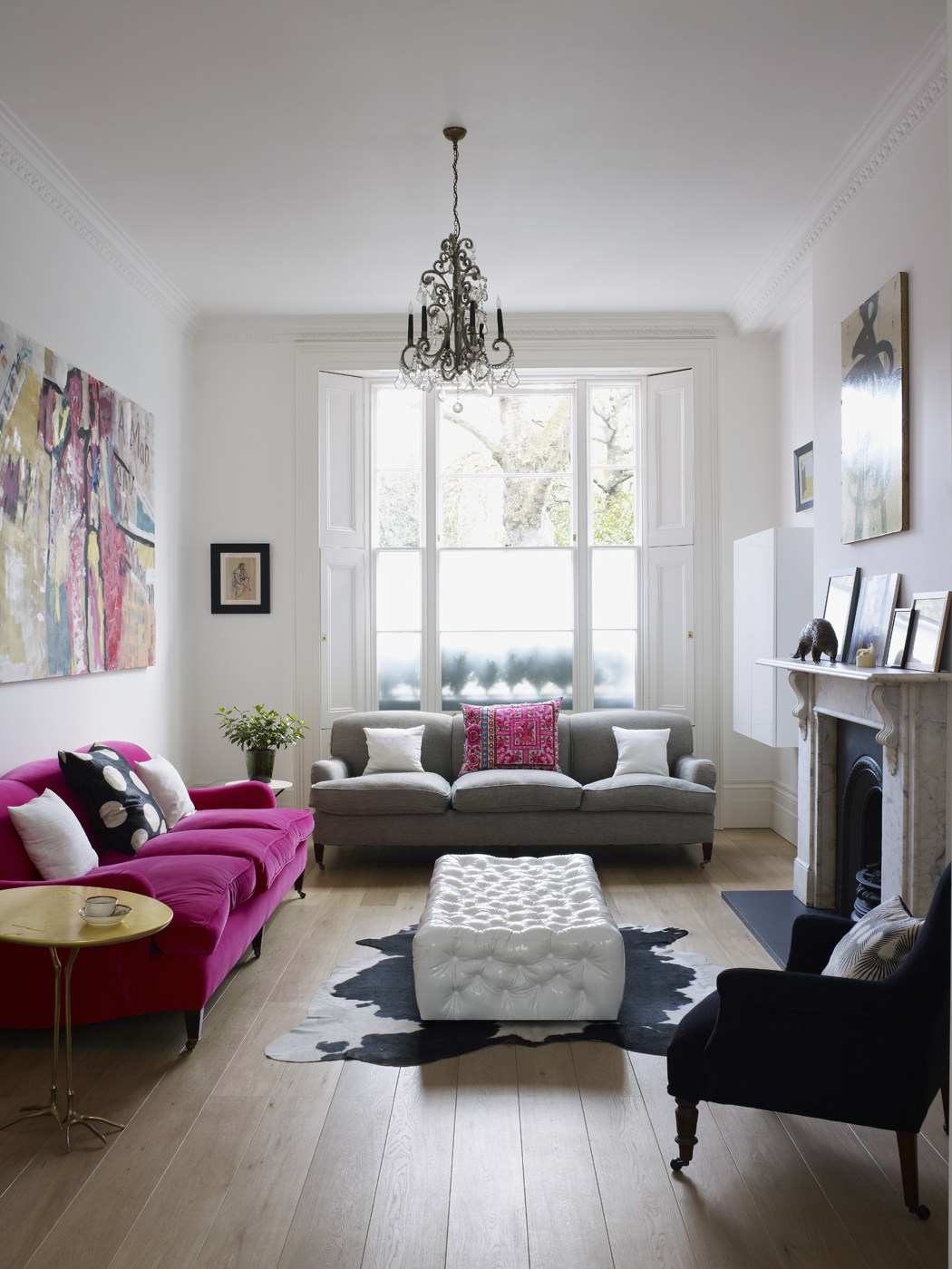 Home tour harriet anstruther s bright and modern 1840s for Small townhouse living room ideas