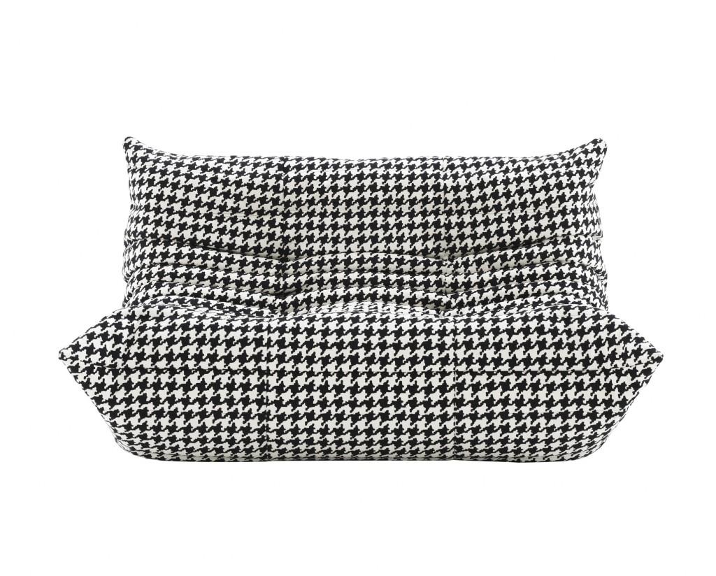 ligne roset and alcantara a new togo sofa flodeau. Black Bedroom Furniture Sets. Home Design Ideas