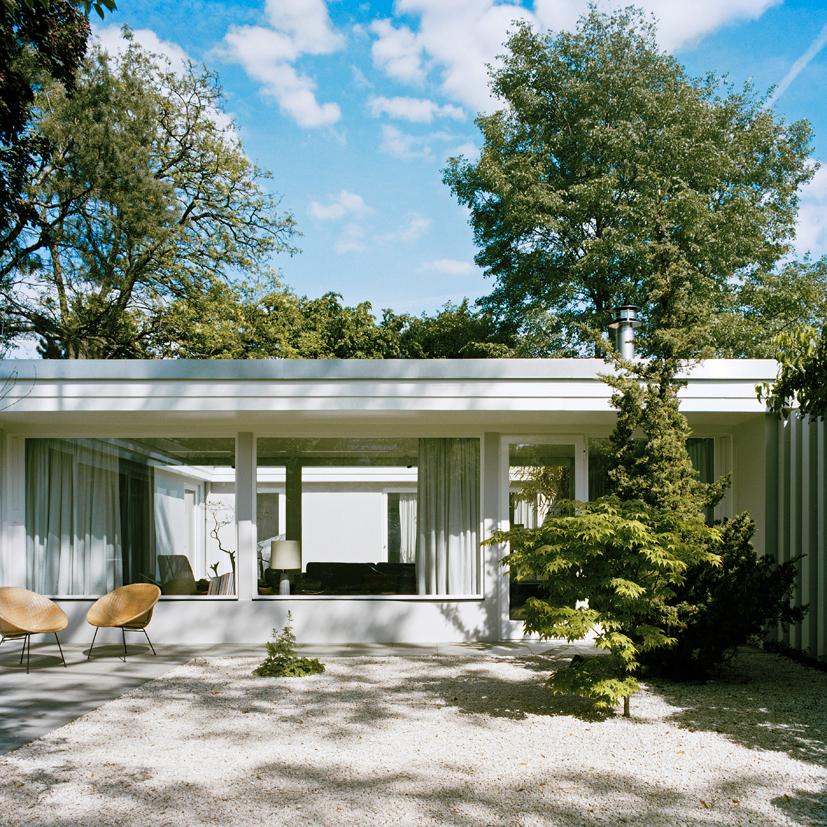 bfs design atrium house in berlin flodeau. Black Bedroom Furniture Sets. Home Design Ideas