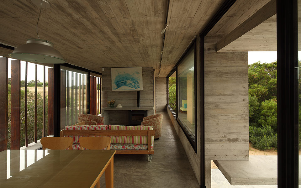 Costa Esmeralda House by Maria Victoria Besonias and Luciano Kruk - featured on flodeau.com 02