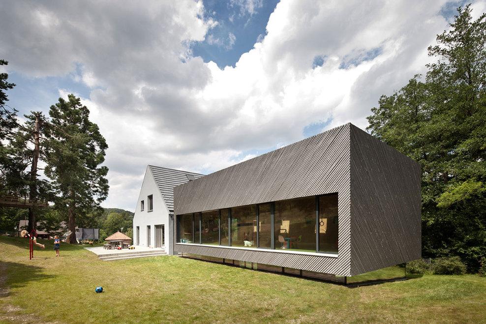franz-einfamilienhaus-eichgraben-kuku-outside-03_full