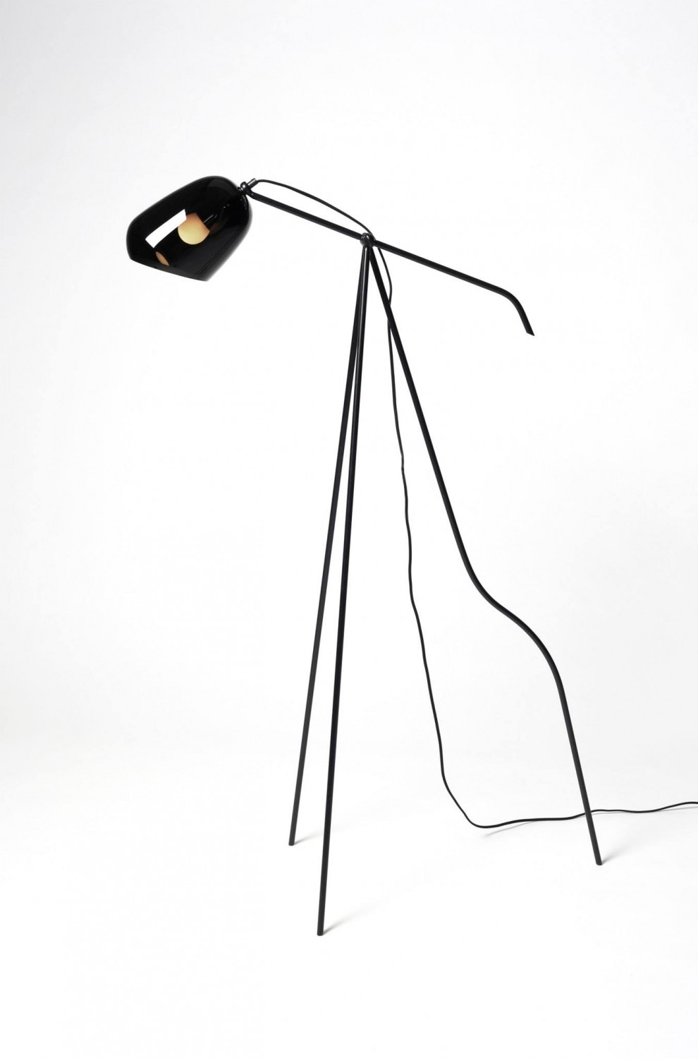 Oma floor lamp by Katriina Nuutinen  | Quick Dose of Inspiration #43 | Flodeau.com