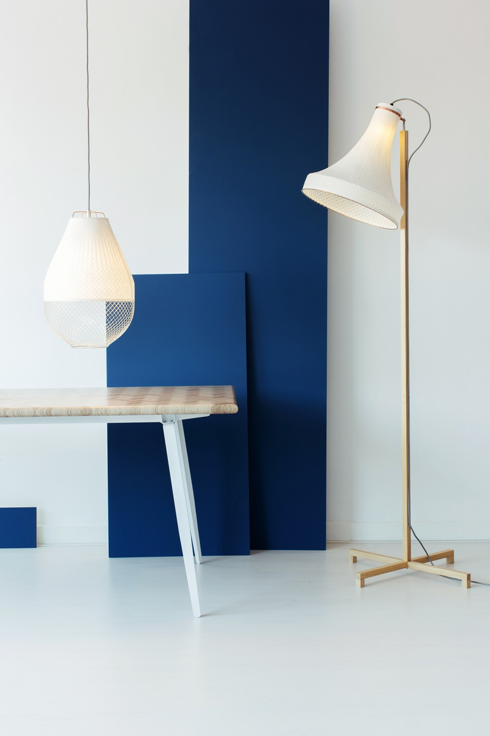 Lightings and Constructed Surface table by Rick Tegelaar |Quick Dose of Inspiration #43 | Flodeau.com