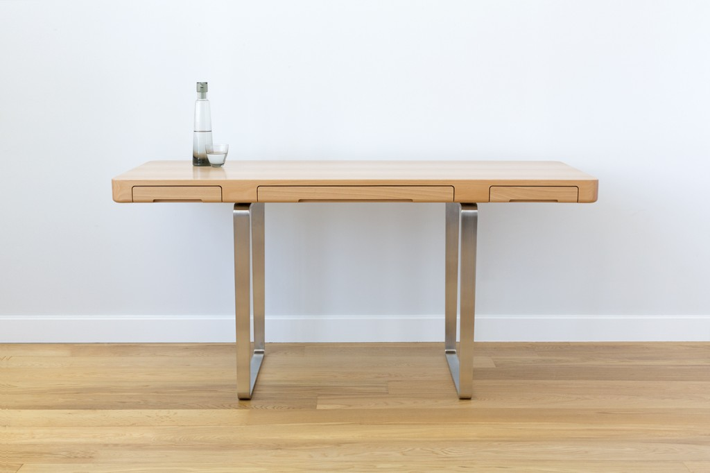 Arnon Desk by Piet Houtenbos