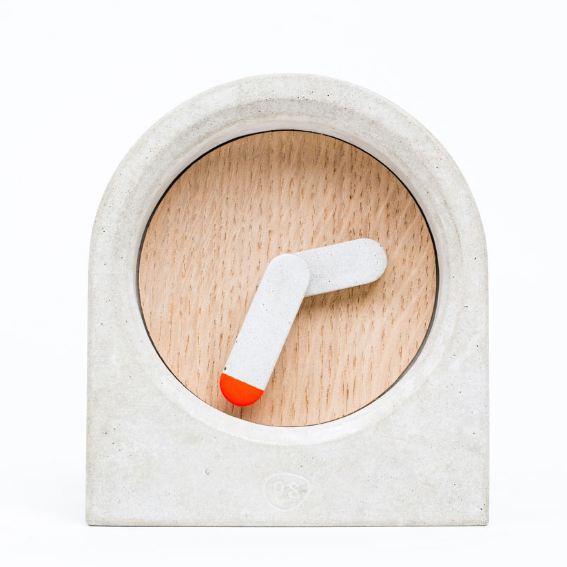 Moak concrete table clock by Studio PS