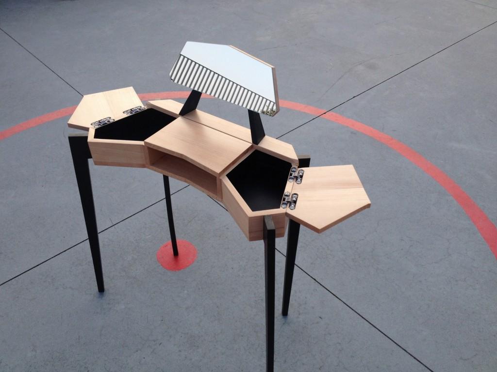 K01 Vanity Dressing Table by Kévin Lorenzo | Flodeau.com