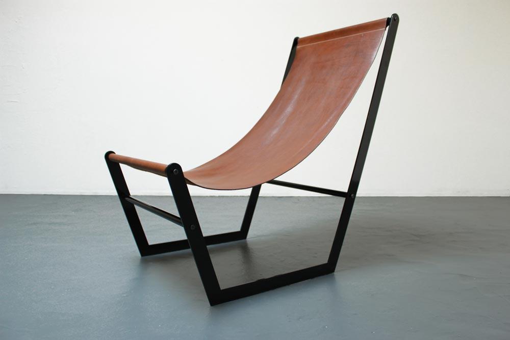 U lounge chair by Mumo | Flodeau.com