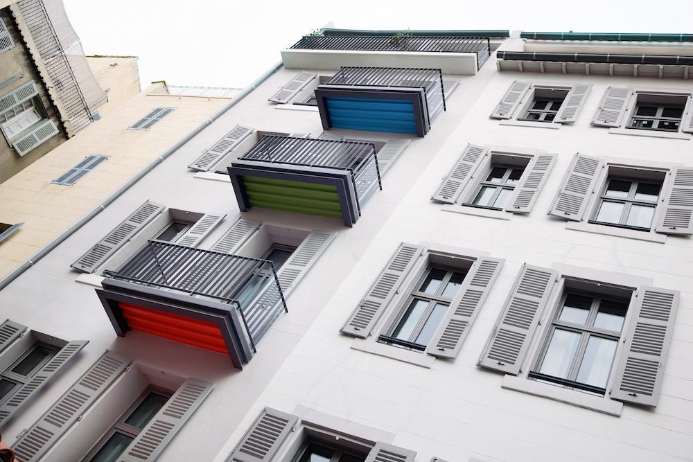 ALEX HÔTEL MARSEILLE - COPYRIGHT @ JO YANA - Cours intérieure