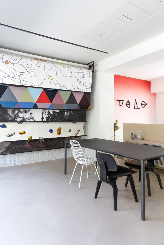 a a cooren bien fait wallpaper showroom flodeau. Black Bedroom Furniture Sets. Home Design Ideas
