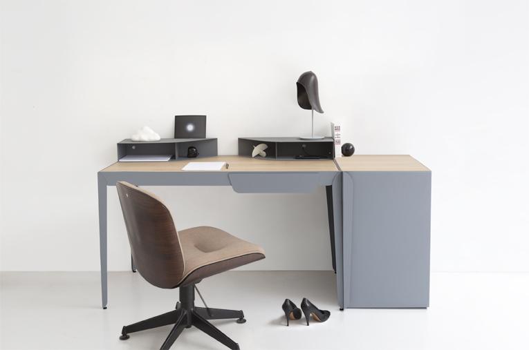 Flamingo Desk by Constance Guisset x Gallery S. Bensimon   FLODEAU.COM