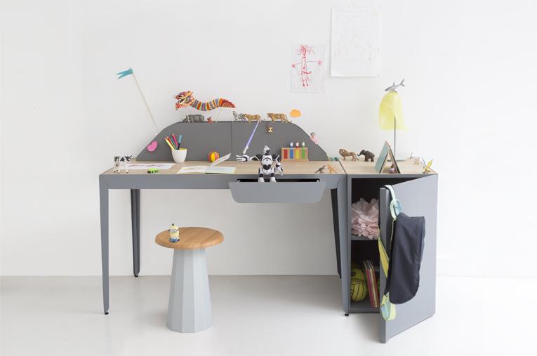 Flamingo Desk by Constance Guisset x Gallery S. Bensimon | FLODEAU.COM